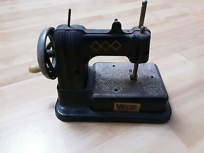 VINTAGE VULCAN SEWING MACHINE 1940s RETRO / CLASSIC