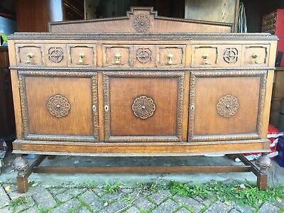 Stunning Large Antique Oak Sideboard Arts & Crafts. Very Large Decorative Ornate