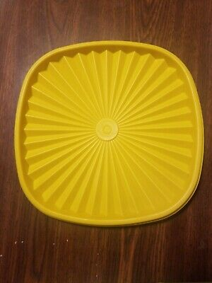 """Vintage Tupperware Servalier Replacement 8 1//2/"""" Square Yellow  Seal #837"""