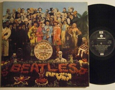 THE BEATLES: SGT. PEPPERS LONELY HEARTS CLUB BAND (PARLOPHONE) 70s Reissue LP