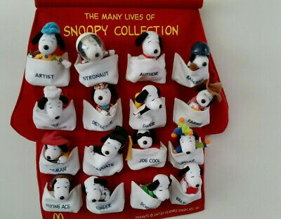 The Many Lives Of Snoopy Collection - Mcdonald's 2001 - 16 Snoopys
