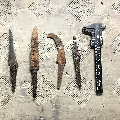 Ancient Chinese antiques  LIAO  dynasty  knife IRON BLADE  .   1000  years old