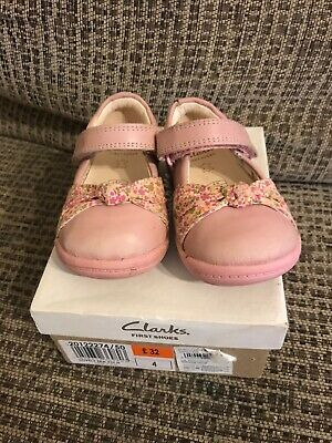 Infant girls Pink Clarks shoes size 4 H