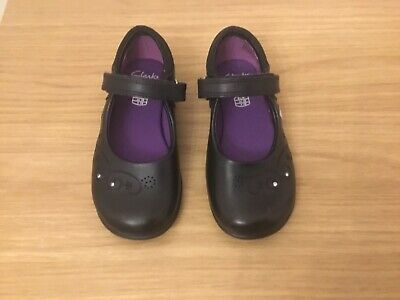 Brand new girls leather clarks shoes black size 9 h with lights