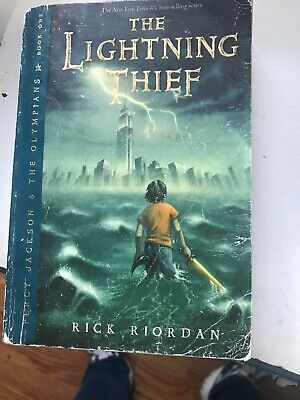 The Lightning Thief (Percy Jackson and the Olympians, Book 1) by Rick Riordan