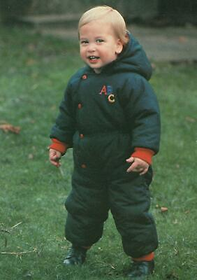 PRINCE WILLIAM in KENSINGTON PALACE GARDENS 18 MONTHS OLD POSTCARD - UNUSED