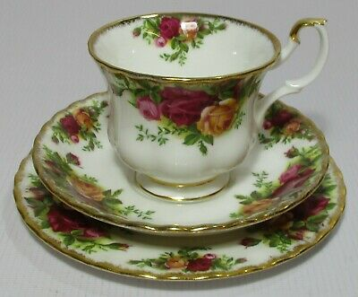 Royal Albert Old Country Roses English Bone China Trio Tea Cup Saucer & Plate