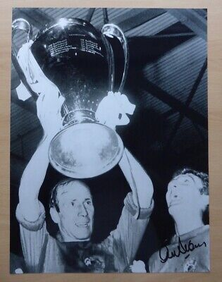 """1968 Manchester United European Cup 16x12"""" Photo Signed by Alex Stepney (872)"""