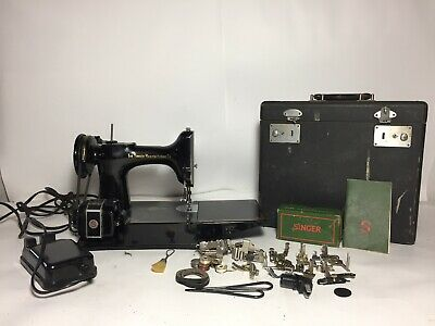 1950 Vintage Singer 221 Featherweight Sewing Machine AJ371519