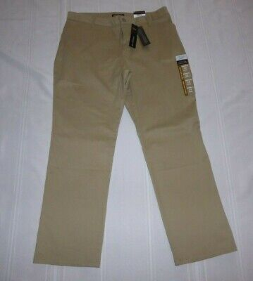 NEW LEE Relaxed Fit Stretch Khaki Short Straight Leg Pants14S NWT $44.