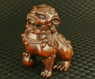Fine chinese old boxwood fortune leo statue netsuke table home decoration