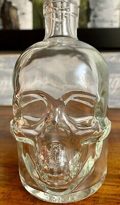 CRYSTAL HEAD VODKA SKULL 1.75L Bottle HALLOWEEN Dan Akroyd LIQUOR DECANTER EMPTY