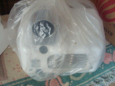 World  Air max XM-5  New Electric Bathroom Hand Blow Dryer White