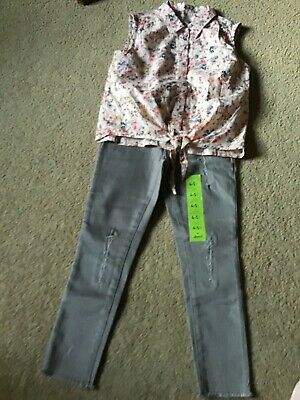 Bnwt Lovely Girls Skinny Jeans & Floral Blouse Small Bundle Age 4/5 Years