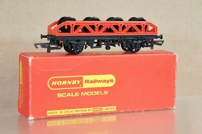HORNBY R224 BR FLAT WAGON with WHEEL LOAD MINT BOXED np