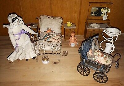 Antiq. Schlafzimmermöbel mit Kinderw., Antique bedroom furniture with a stroller