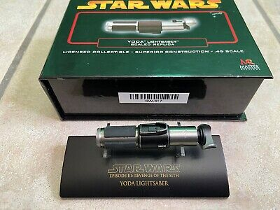 Star Wars Master Replicas Yoda Scale Replica .45 Lightsaber Hilt ROTS III SW-317