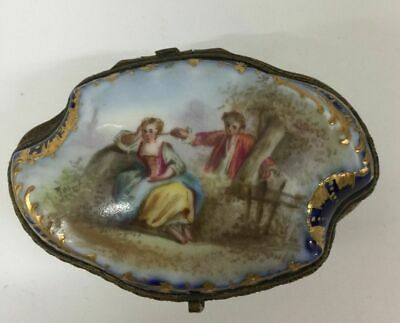 Porcelain Trinket Box French 19th century HInged Pill gilt Antique hand painted