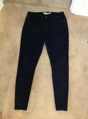"Denim & Co Black Stretch Skinny Jeans Size 16 (inside leg 28"")."