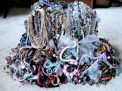 Huge 21 Kg Job Lot Of Mixed Unsorted Vintage + Modern Costume Jewellery Pieces