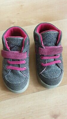 Clarks girls shoes 5.5G Infant shoes trainers sneakers good condition