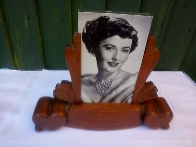 A Lovely Art Deco Dark /Mid Oak Photo Frame 1930S With Glass Vgc