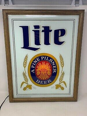 Vintage 1982 MILLER LITE Framed Beer Mirror Lighted Sign Man cave Must!