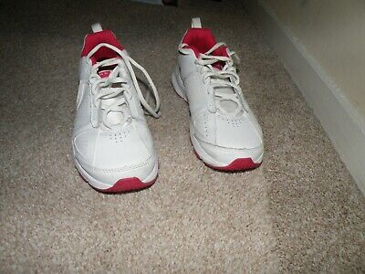 girls nike trainers size 4