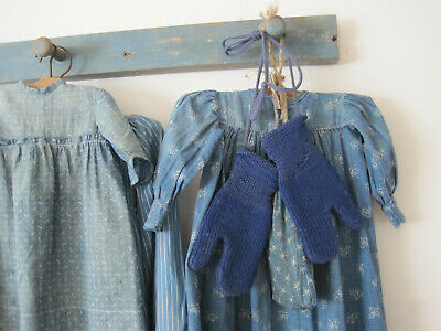 Old Primitive Wonderful BLUE Child's Little Woolen Mittens Peg Rack Hanger AAFA