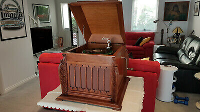 Edison Diamond Disc Table Top Gramaphone In Excellent Working Order.