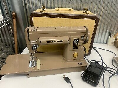 Vintage SINGER 301A Sewing Machine 1953 With Case & Accessories