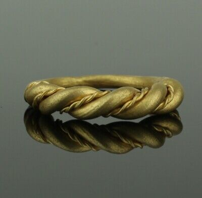 ANCIENT VIKING HEAVY BRAIDED GOLD RING - CIRCA 9th/10th CENTURY   (884)