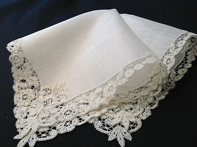 #3127🌟PRIVATE ESTATE Vintage 19th C Vintage Brussels Linen & Lace Wedding Hanky