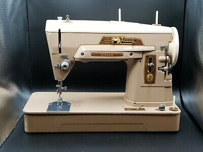 Vintage 1958 Singer 403A Slant Needle Duty Sewing Machine w/Accessories.