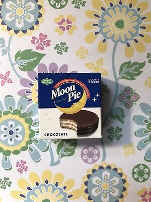 """Zuru 5 Surprise Mini Brands """"Moon Pies"""" out of Ball NEW!"""