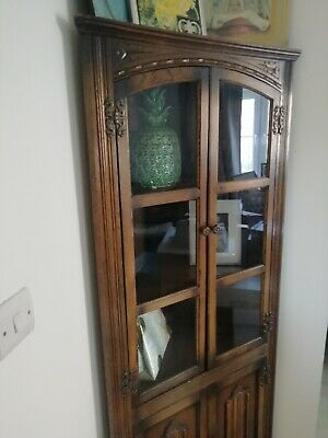 Vintage arts & crafts corner display cabinet cupboard unit. Glass wood old charm