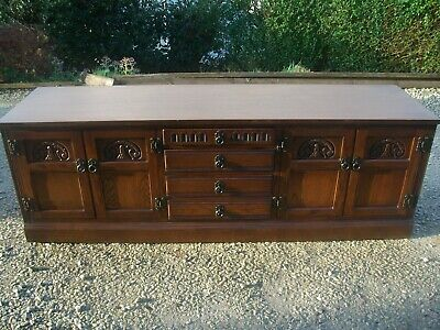 Old Charm Oak Large Sideboard Cabinet - Stunning Wood Grain & Sturdy