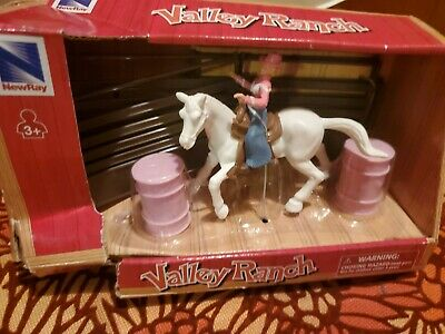 Horse Playset New Ray Rockin/' By Reba Barrel Racing Rodeo Stable Corral NEW