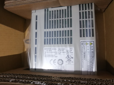 One New Yaskawa SGDM-01BDA In Box