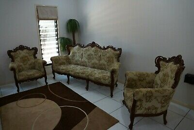 Luxury carved lounge suite Victorian style, 3-seater + 2 chairs. near new cond.