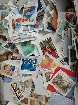 500 x AUSTRALIAN USED ON PAPER POSTAGE STAMPS (high decimal)