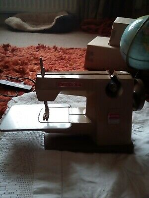 Lovely Vintage Vulcan Countess Children's Sewing Machine