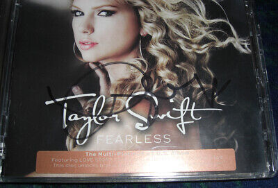 Taylor Swift - Genuine Signed 'Fearless' CD Album