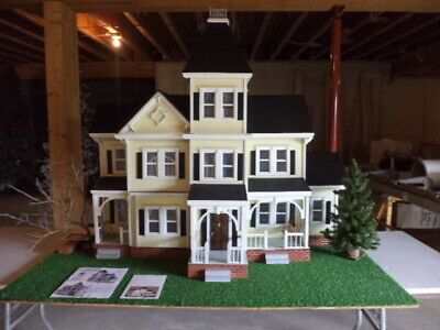 Little Orphan Annie Vintage Victorian Dollhouse-Electric-Base-DELIVER 80 MILES