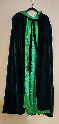"Artemisia Designs ~53"" Black and Green Cloak"