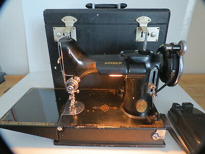 1934 Singer Featherweight Sewing Machine 221 Nice Condition S/N-AD724060