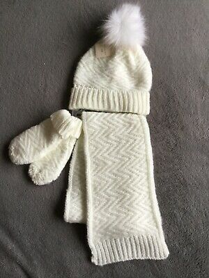 BNWT Girls Cream Pom Pom Hat, Scarf And Mittens Set Size Small/medium (3-6 Yrs)