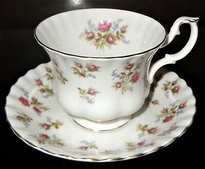 Royal Albert Fine Bone China England Winsome Teacup & Saucer Red Flowers