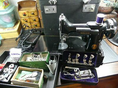 Vintage Singer 221 Featherweight Sewing Machine w/ accessories ~Lady