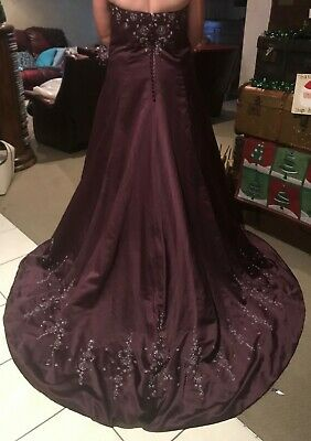 Grape/Silver Wedding gown, Size 14, Never worn